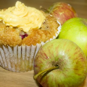 Apple & Blackberry Crumble Cupcakes with Custard Frosting