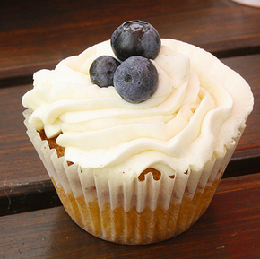 Blueberry and Raspberry Cupcakes